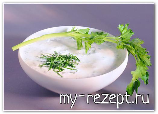 Сметанно чесночный соус с зеленью - рецепт