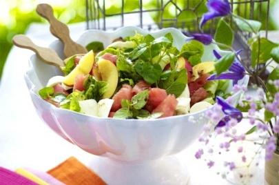 Арбузный салат «Гавайи»